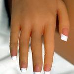 Fingernägel mit Pink French Manicure